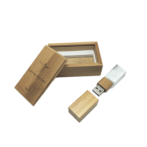 16GB Crystal USB with Wooden Box (MOQ200-205)